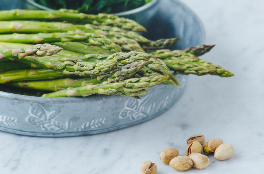 Smidrų salotų ingredientai