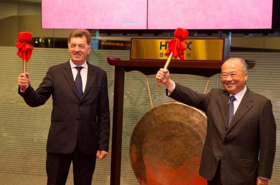 Algirdas Butkevičius su Honkongo biržos pirmininku Chow Chung – kongu