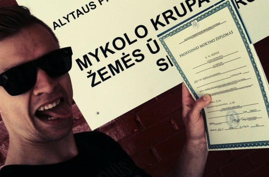 Justinas Butkevičius teigia diplomą gavęs be menkiausių pastangų ar mokslų