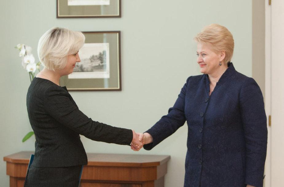 Dalia Grybauskaitė ir Diana Korsakaitė (kairėje)