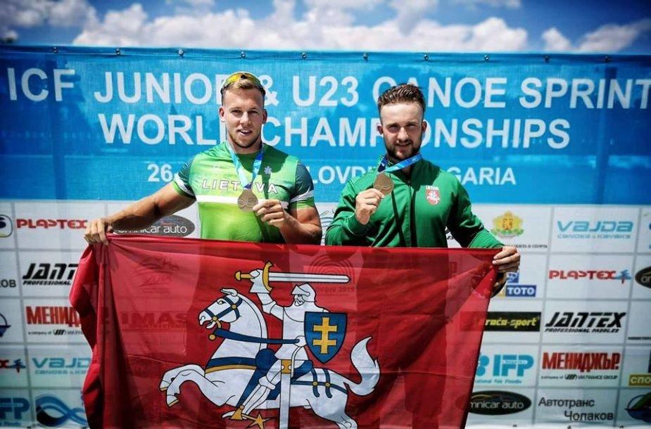 Artūras Seja ir Vadimas Korobovas triumfavo pasaulio jaunimo pirmenybėse tą pačią dieną.