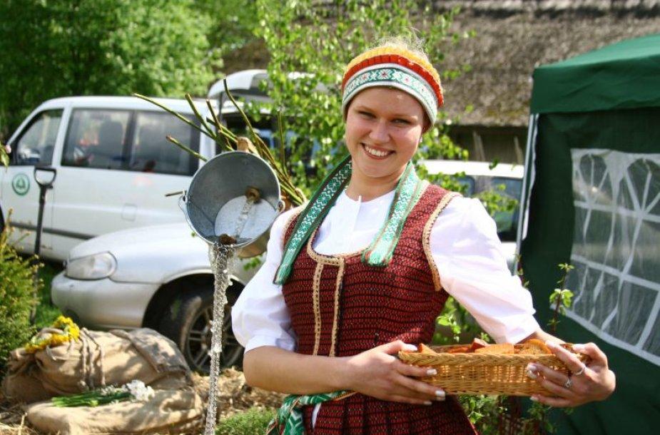 """Festivalyje """"Čia visa Lietuva"""" savo paveldą pristatys skirtingų Lietuvos etnografinių regionų atstovai."""