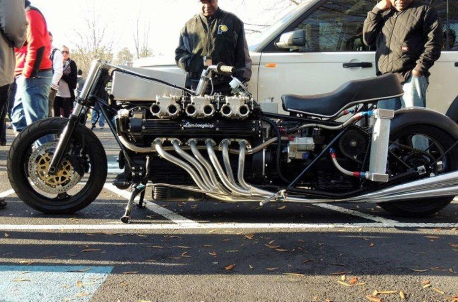"Motociklas su ""Lamborghini"" V12 varikliu"