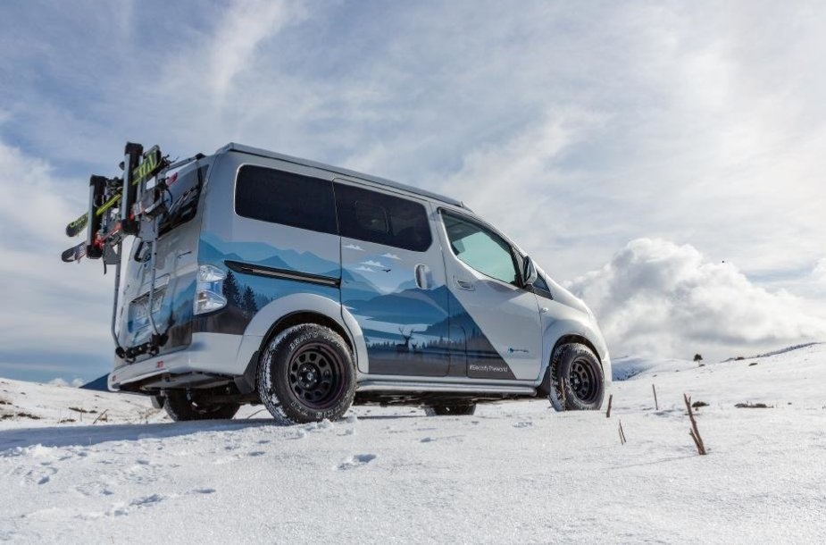"Nissan koncepcinis kemperis ""e-NV200 Winter Camper"""