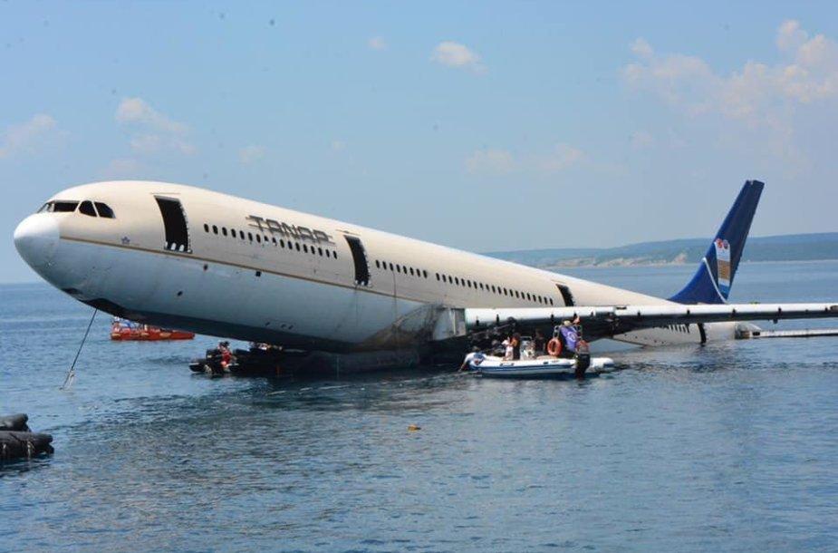 Panardintas lėktuvas Turkijoje