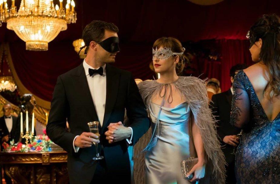 """Dakota Johnson ir Jamie Dornanas filme """"Penkiasdešimt tamsesnių atspalvių"""""""