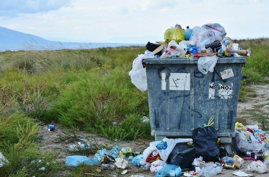 Atsakingesnį vartojimą ir rūšiavimą reikėtų skatinti remiantis sėkmingomis užsienio praktikomis – pavyzdžiui, už tinkamą atliekų rūšiavimą galėtų būti mažinamas šiukšlių mokesčio tarifas.