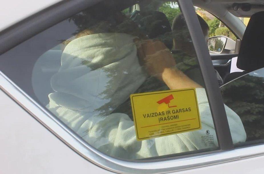 panevezyje-i-medi-automobiliu-atsitrenke-neblaivus-nepilnametis
