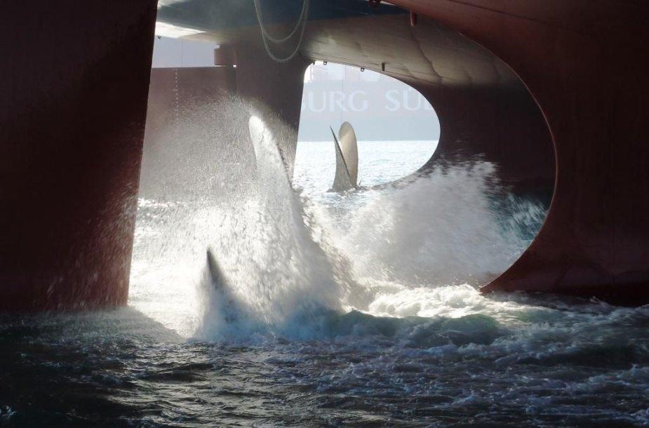 Išbandytas suskystintas gamtines dujas saugosiančio laivo sraigtas.