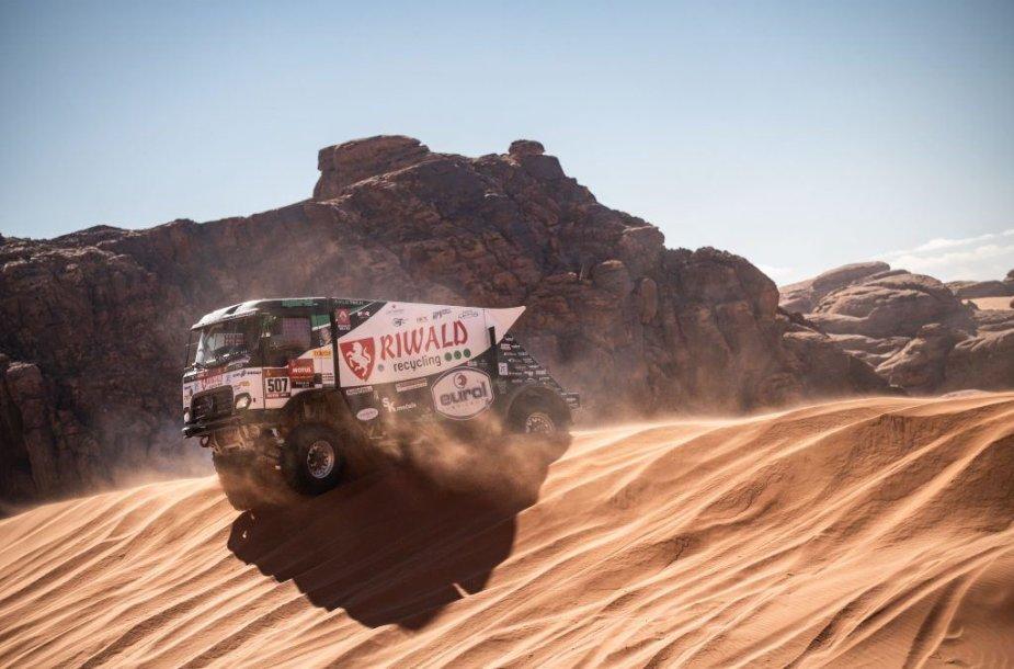 Hibridinė sistema suteikia keletą svarbių privalumų, susijusių su galios kreive, įsibėgėjimu ir stabdymu. (Riwald Dakar Team nuotrauka)