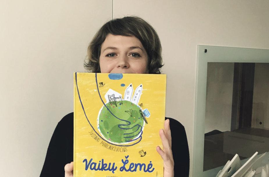 Agnė Nananai iliustravo J.Marcinkevičiaus eilėraščių rinkinį