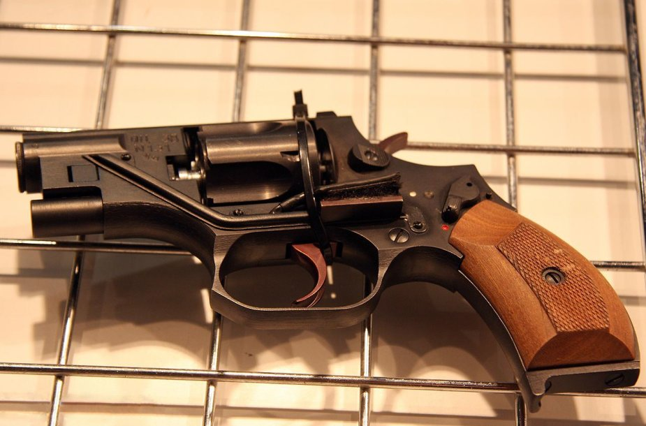 Revolveris OC-38