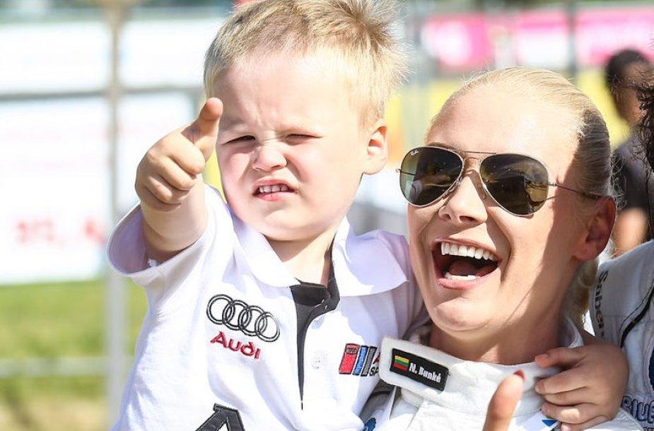 Natalija Bunkė su sūnumi Kristupu