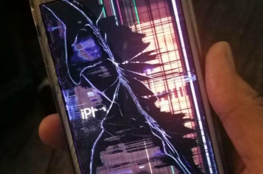 Sukčiai pasakoja graudžias istorijas – sudužo dukros telefonas