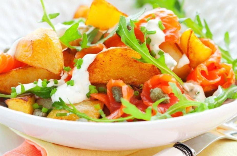 Bulvių ir lašišų salotos