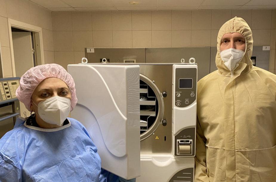 Vilniaus universiteto ligoninės Žalgirio kliniką pasiekė 25 tūkst. eurų vertės sterilizatoriu