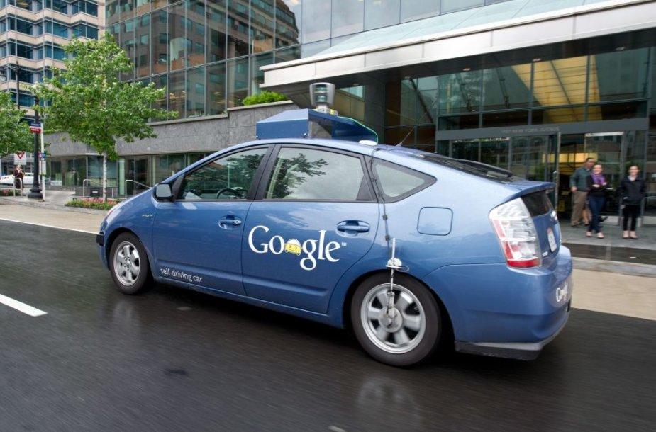 """Autonominis """"Google"""" automobilis"""