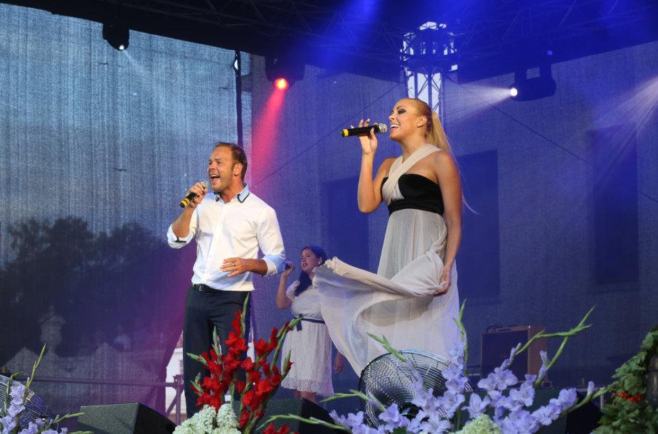 Lauris Reinikis ir Liepa Mondeikaitė