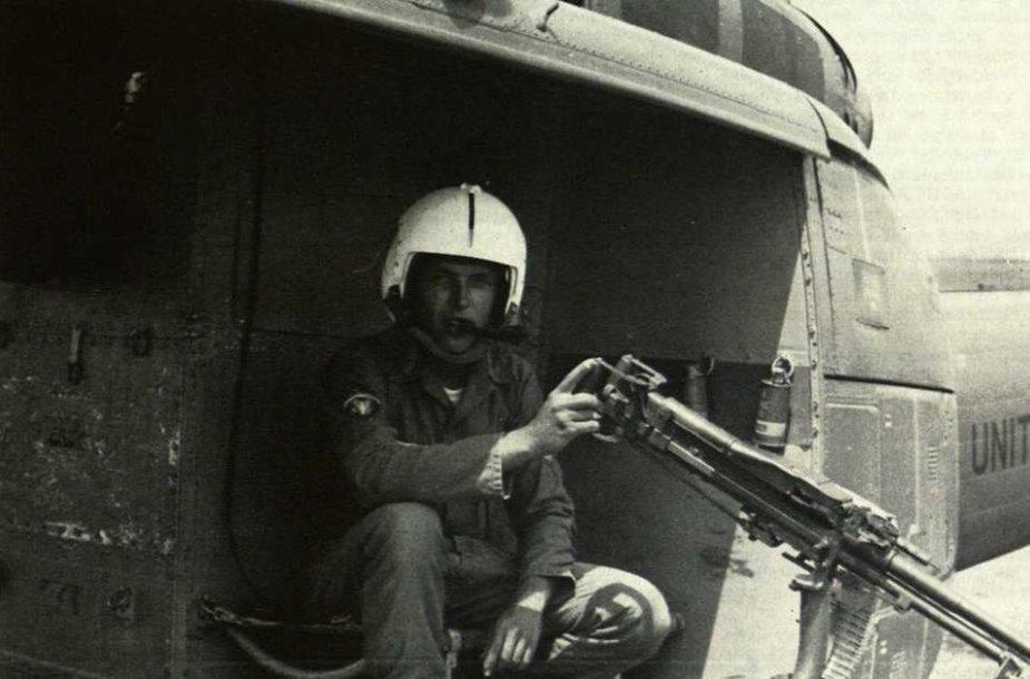 Vytis puošė Amerikos lietuvio Algimanto Reivyčio sraigtasparnį