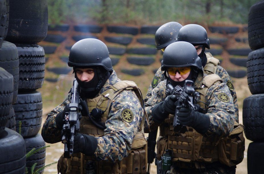 VST pareigūnai