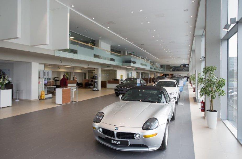 BMW salonas