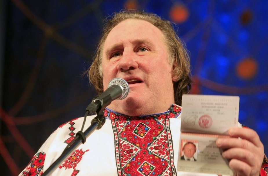 Gerard'as Depardieu ir jo naujasis rusiškas pasas