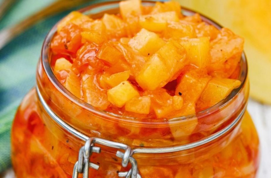Saldžiarūgštis moliūgų ir ananasų padažas