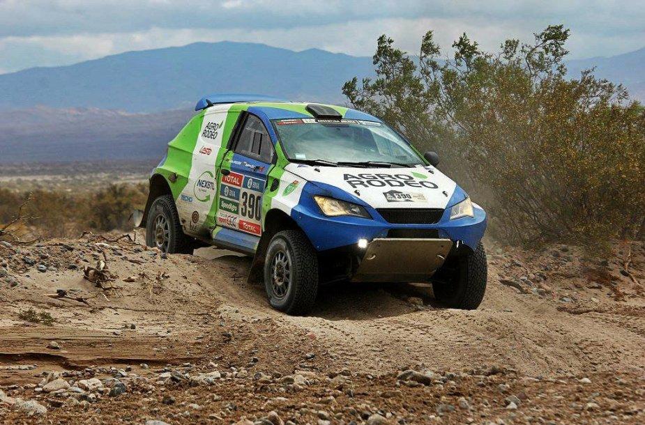 """""""Agrorodeo"""" ekipažas Dakaro ralyje"""