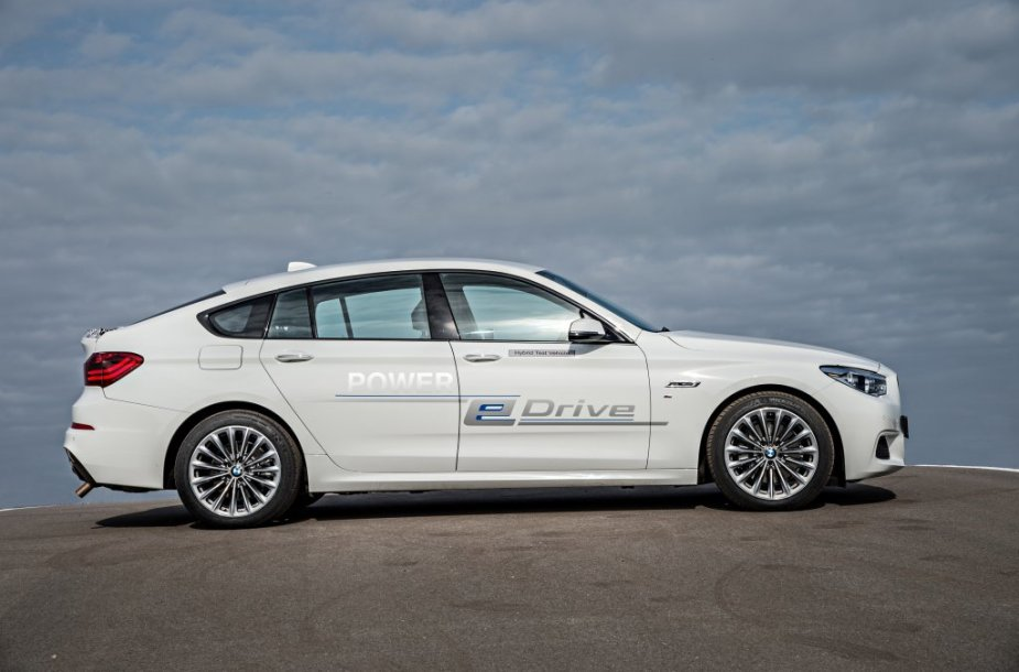 Hibridiniai BMW modeliai