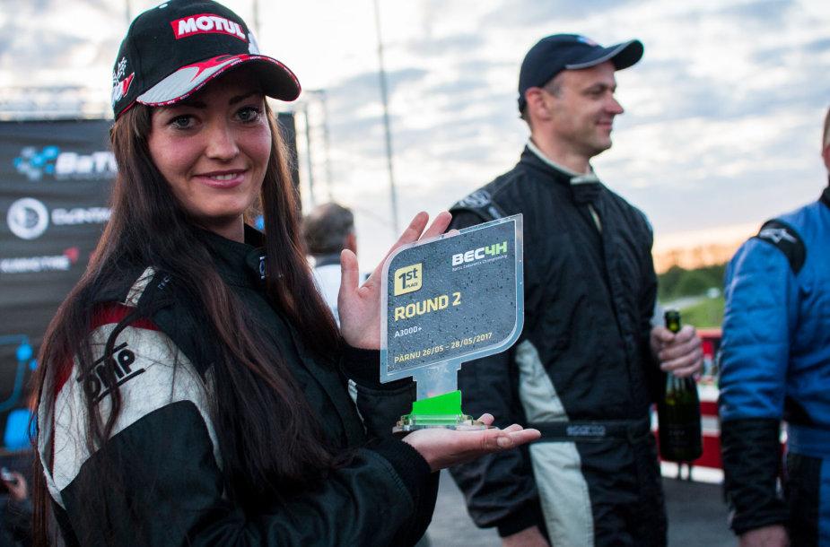 """Kaunietė Ernesta Globytė jau šeštą kartą stos prie starto linijos """"ENEOS 1006 km lenktynėse""""."""