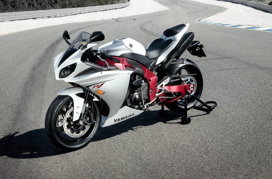 """Yamaha YZF-R1"""