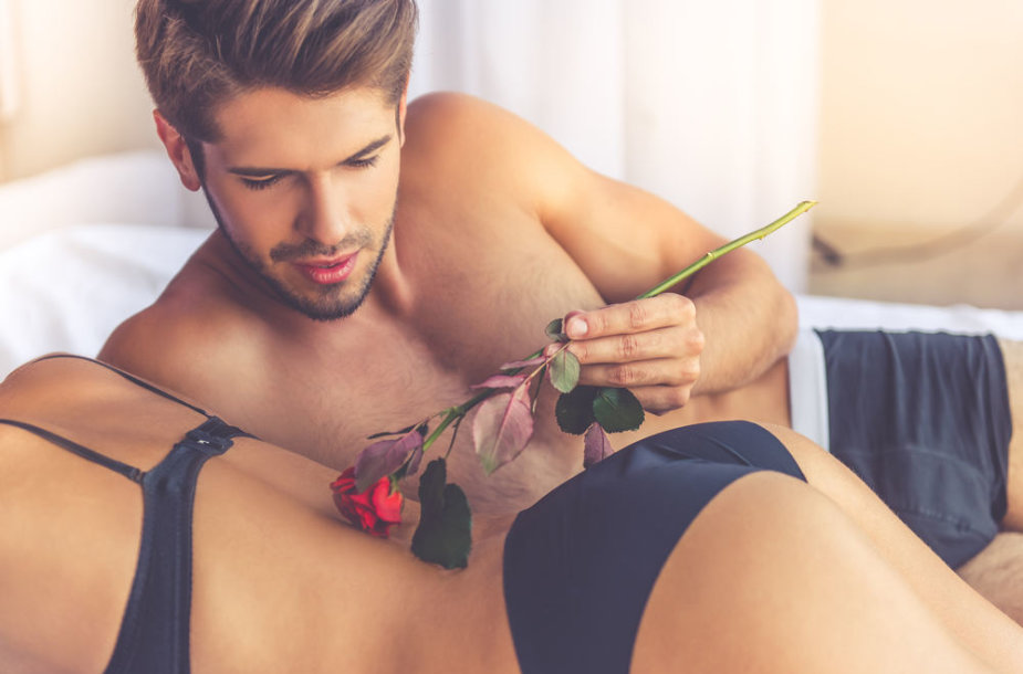 Vasario mėnesį – ketvirtadaliu daugiau sekso?
