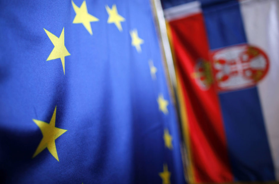 Serbijos ir ES vėliavos