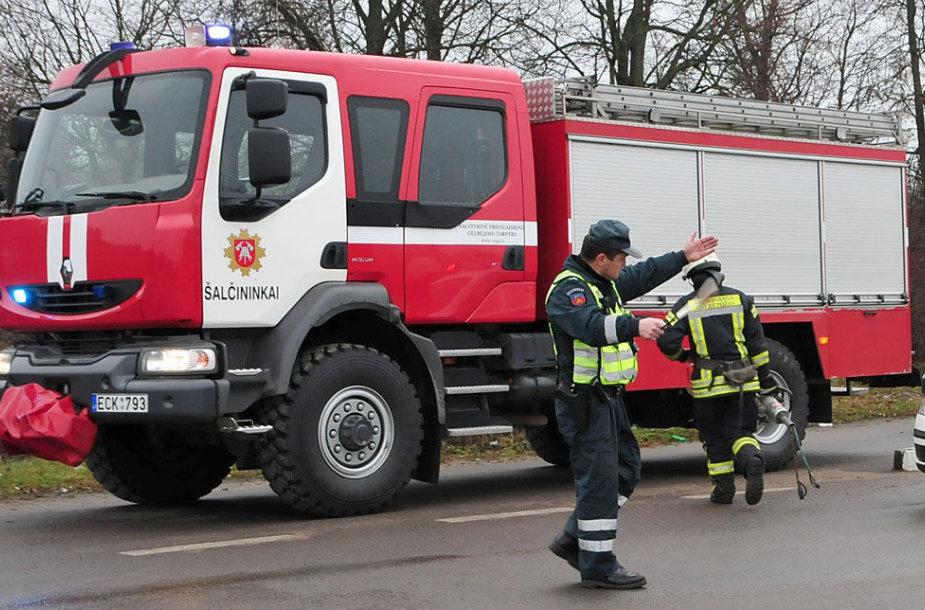 Šalčininkų ugniagesiai ir policija