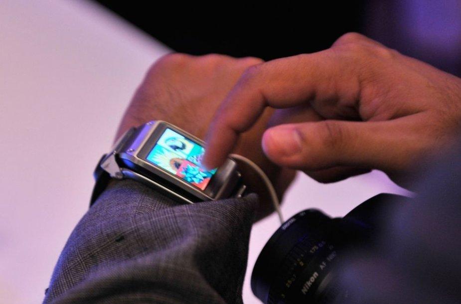 """Išmanusis laikrodis """"Galaxy Gear"""""""