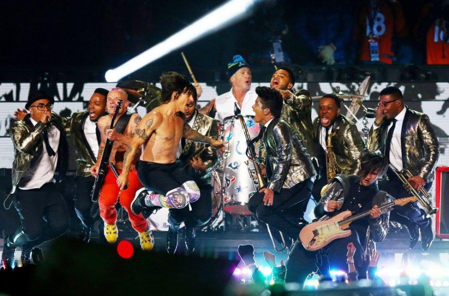 """Bruno Marsas ir """"Red Hot Chili Peppers"""""""
