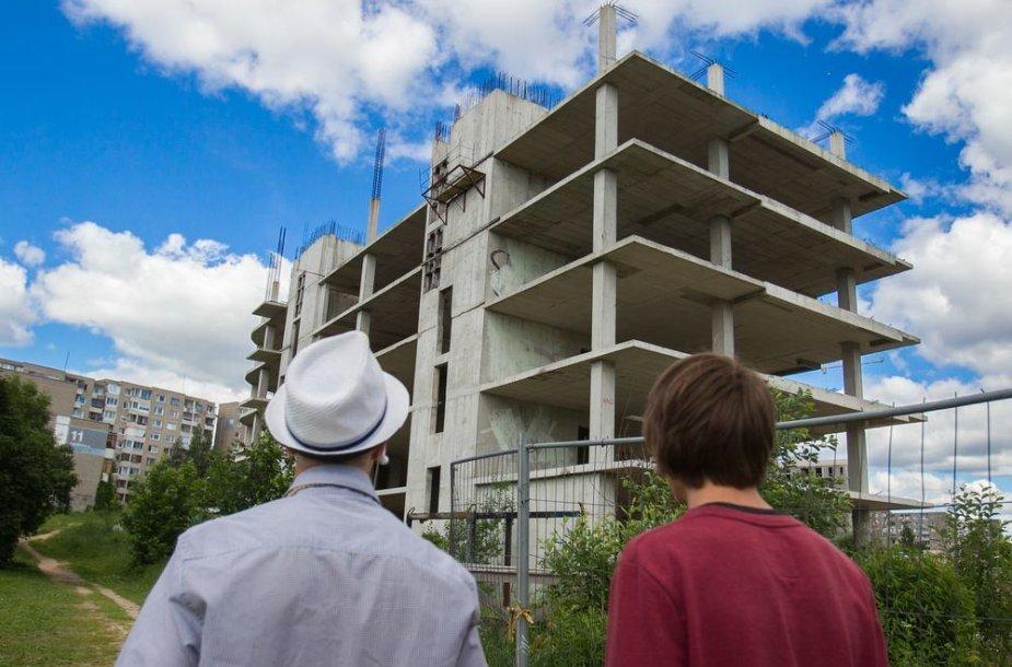 Nebaigtas statyti pastatas Fabijoniškėse