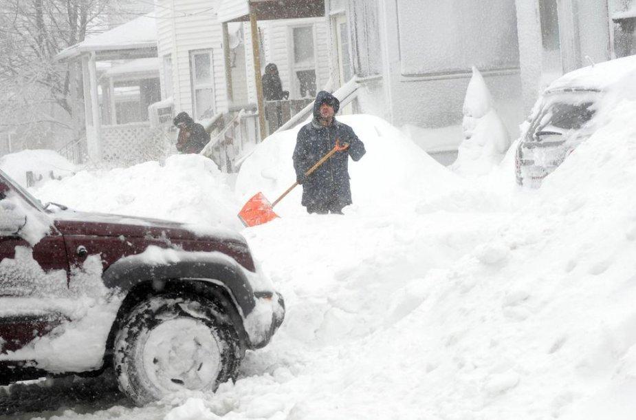 JAV valomas sniegas