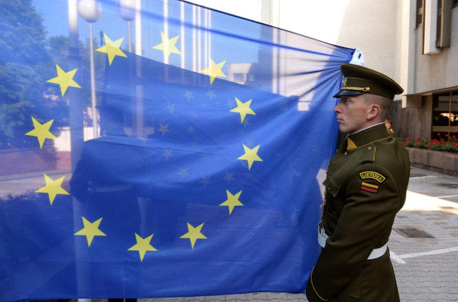 Europos Sąjungos vėliavų pakėlimo ceremonija