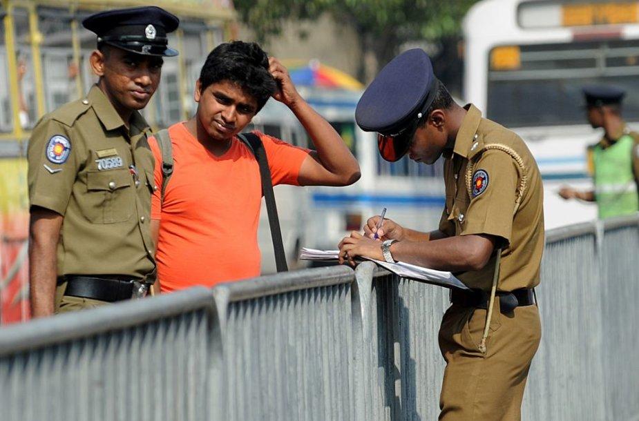 Šri Lanka ir Tailandas turistus saugos juos sekdami