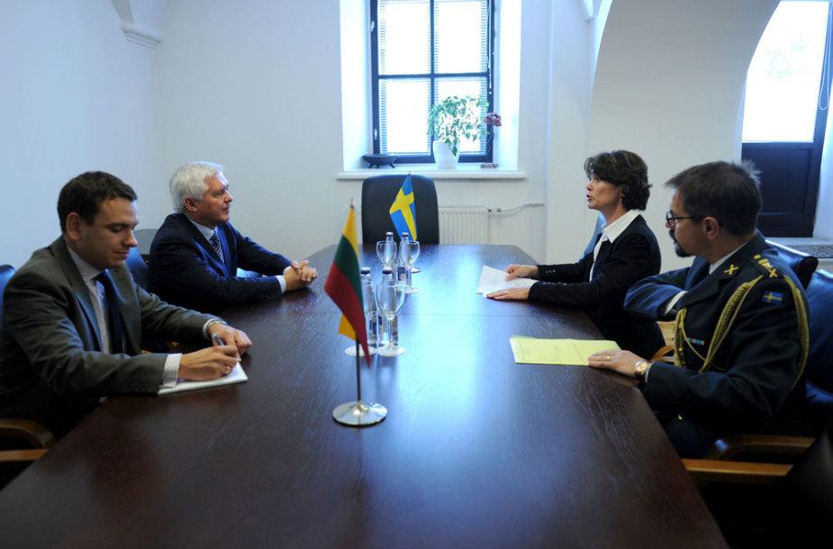 Švedija Lietuvą pakvietė prisijungti prie Europos Sąjungos Šiaurės šalių kovinės grupės