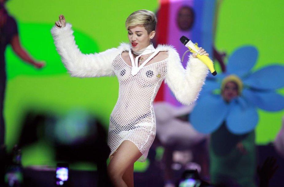 "Miley Cyrus ""iHeartRadio"" muzikos festivalyje"