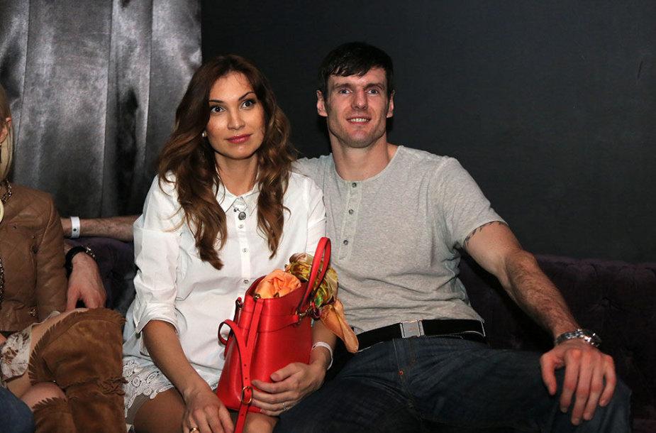 Kšištofas Lavrinovičius su žmona Tatjana