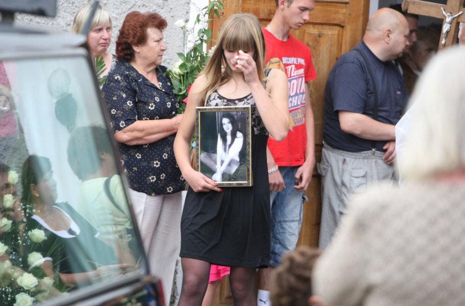 S.Naujūnaitės laidotuvės