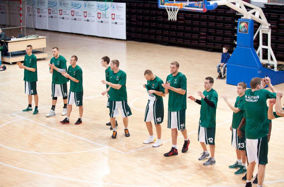 """""""Dzūkijos"""" krepšininkai aikštę iškeitė į ligos patalą."""