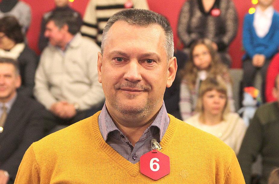 """Arvydas Reketis iš Vilniaus """"Teleloto"""" žaidime laimėjo visureigį """"Dacia Duster""""."""