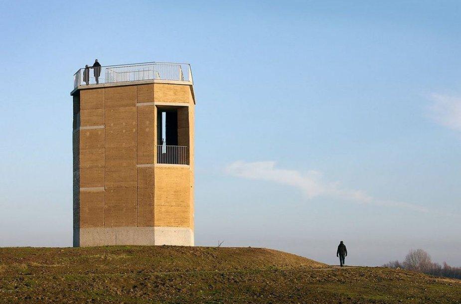 Belgai pasistatė plūktos žemės bokštą