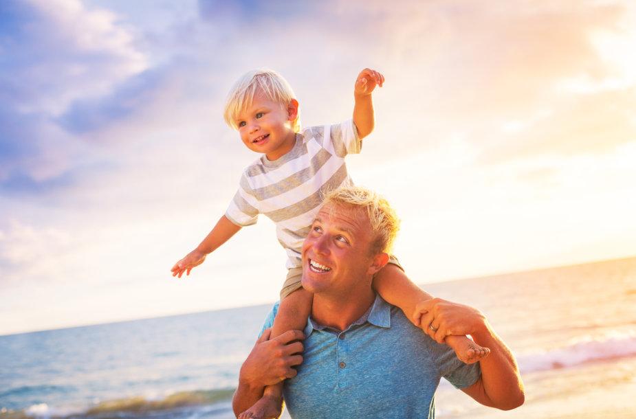 Tėtis su sūnum