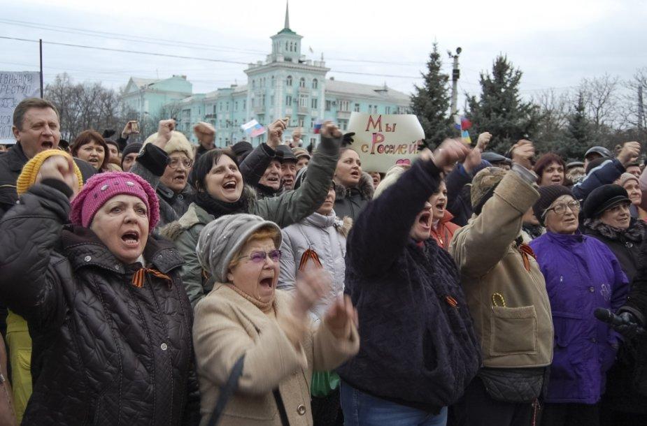 Prorusiški protestai Luhanske