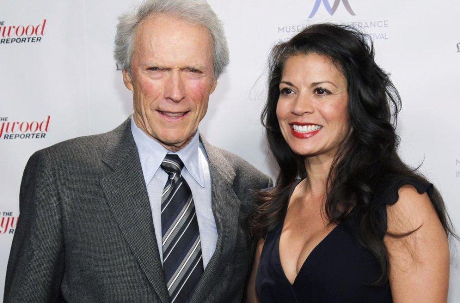 Clintas Eastwoodas ir Dina Eastwood